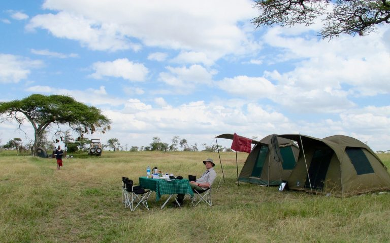 Camping safari in Serengeti
