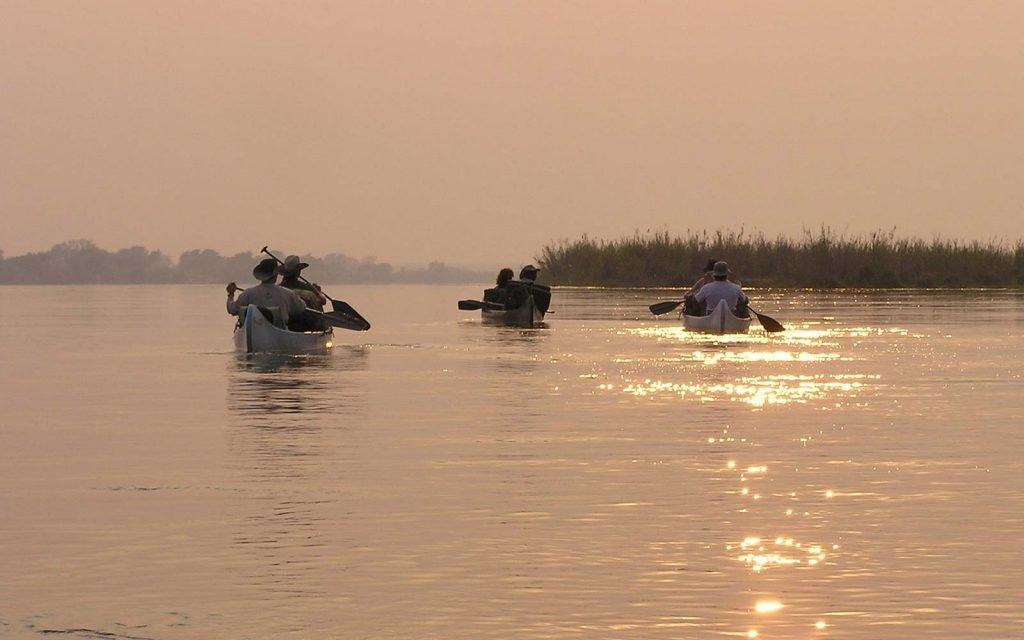 Canoe Safari in Mana Pools National Park